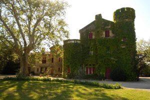 Château de Cassagne dans un parc arboré