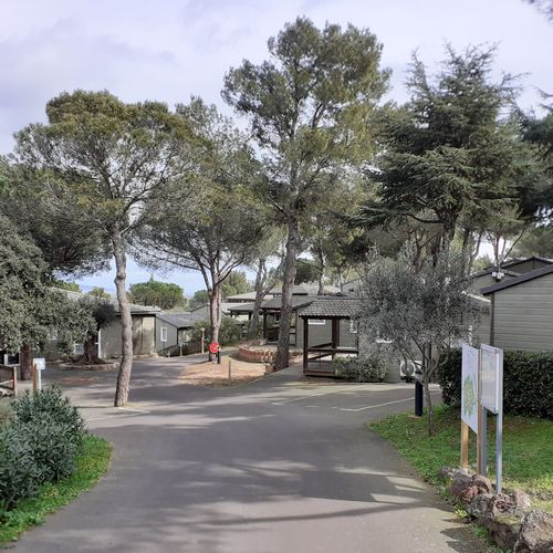 Cottages d'un camping au Cap d'Agde